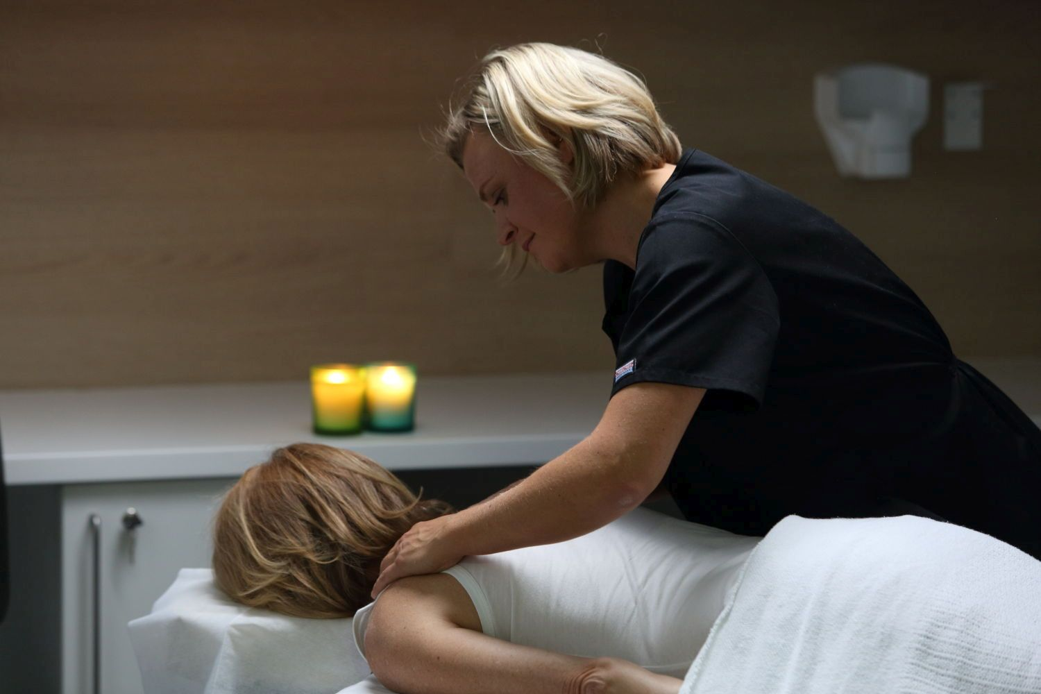 cancer and massage Licensed massage therapist nikki albert provides tempe, arizona based massage specializing in therapeutic and oncology massage.
