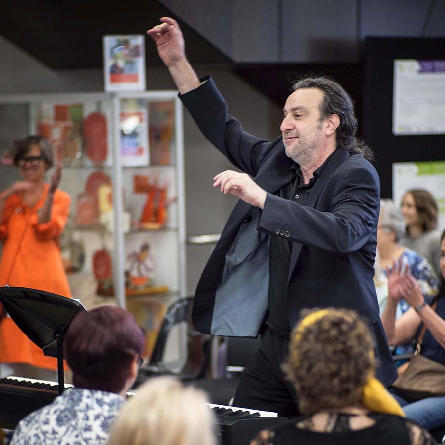 robert-conducting-1
